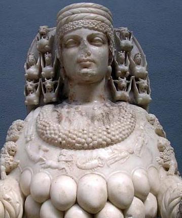 Artemis - Déesse d'Ephese - majestueuse et nourricière des ses multiples mamelles